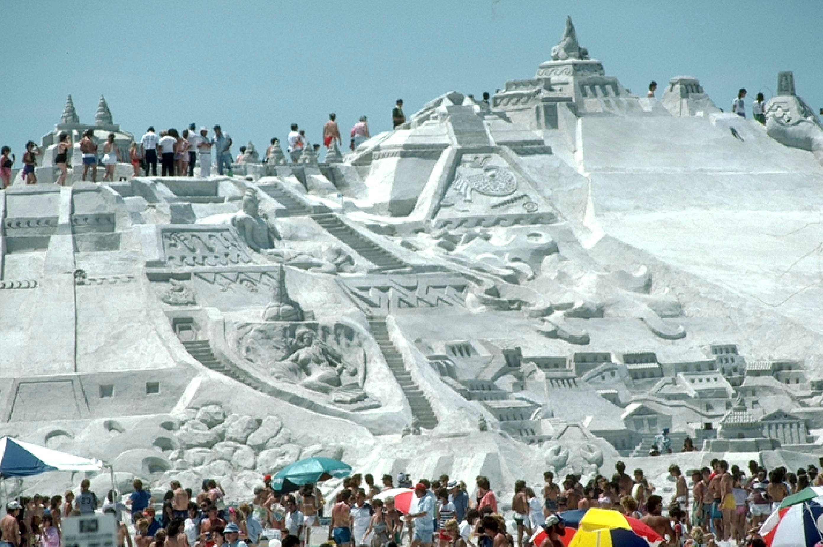 World's largest sand sculpture, USA 1981